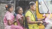 தொடர்ந்து பெய்து வரும் கனமழை... மூன்று மாவட்டங்களுக்கு நாளை பள்ளிகளுக்கு விடுமுறை