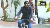 ரெக்கை கட்டி பறக்குது பார் ஹேமந்த் சோரன் சைக்கிள்.. வீட்டுக்குள்ளேயே ஜாலி ரைடு.. வீடியோ வைரல்!