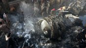 பாக்.: கராச்சியில் குடியிருப்புகள் மீது 107 பேருடன் விழுந்த விமானம்- பலி எண்ணிக்கை 80 ஆக அதிகரிப்பு