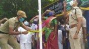 உரிமையை மீட்டெடுத்த ஆத்துப்பாக்கம் ஊராட்சி மன்ற தலைவி அமிர்தம்-ஆட்சியர் முன்பு தேசியக்கொடி ஏற்றினார்