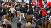 வேளாண் சட்டங்களை கண்டித்து... கவர்னர் மாளிகை நோக்கி பேரணி ... விவசாயிகள் மீது தடியடி!