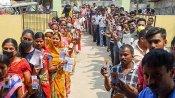 அஸாம், மேற்கு வங்கத்தில் 69 தொகுதிகளில் வாக்குப்பதிவு தொடங்கியது.. ஆர்வமுடன்  வாக்களிக்கும் மக்கள்!