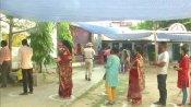 மே.வங்க 8-ம் கட்டமாக சட்டசபை தேர்தல்: 35 தொகுதிகளில் காலை 9 மணி வரை 16.04% வாக்குகள் பதிவு