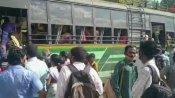 சென்னையில் இருந்து தென்மாவட்டங்களுக்கு படையெடுக்கும் மக்கள்.. நிரம்பி வழியும் சுங்கச்சாவடிகள்