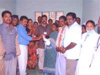 Govt. doctors present gold ring for new born
