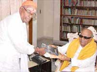 Karunanidhi and Ramagopalan