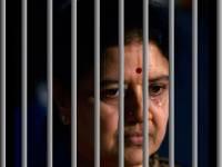 சயனைடு மல்லிகாவுக்கு பக்கத்தில் வேண்டாம்...  சிறையில் வேறு அறைக்கு மாறிய சசிகலா