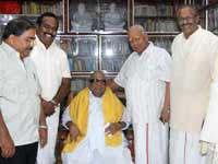 CM with TNA Leaders