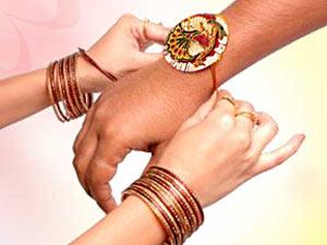 ரக்ஷா பந்தன் - Raksha Bandhan வாழ்த்துவோம்!!! 13-raksha-bandhan300