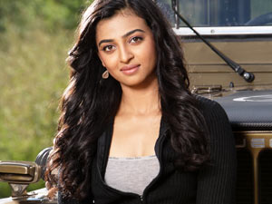 Actress Radhika Apte Faints At Ooty Shooting Spot Aid0136