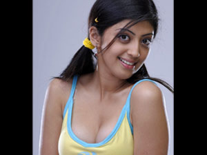 Saguni Pranitha Wants Only Big Star To Pair