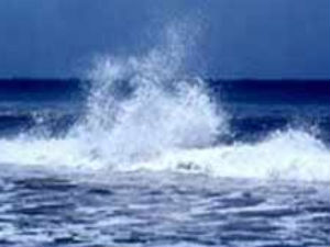 Rough Sea Panics Chennaites
