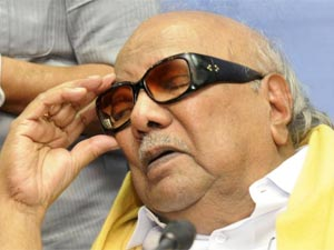 Karunanidhi Rolls Back Pull Out Threat