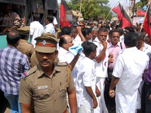 Dmk Hold Jail Bharo Agitation Today