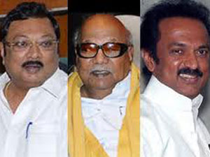 Azhagiri Vs Stalin No End Rift Dmk
