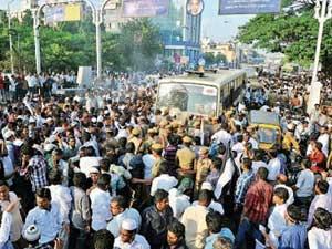 Muslim S Protest Halt Chennai Hours