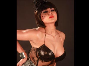 Veena Malik Raunchy Photoshoot Supermodel Movie