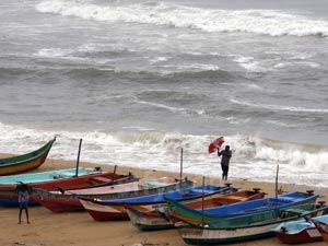 Nilam Moves Closer Chennai Coast