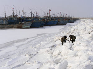 China Chills Hit 28 Year Low Trapping 1000 Ships In Ice