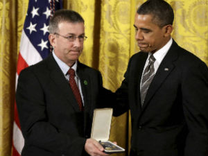 President Obama honors Newtown, Conn., educator heroes!