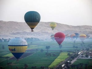 Egypt balloon flights resume after crash