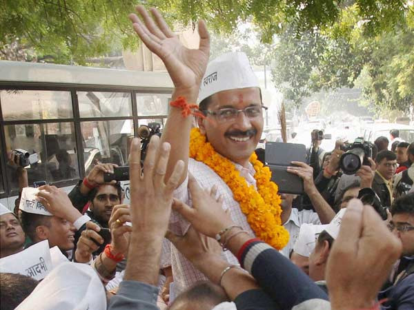 'Hurt' Kejriwal says won't take Anna Hazare's name again