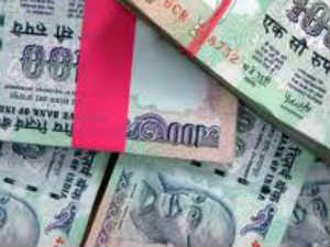 Rupee notes found floating in a ditch in Avadi