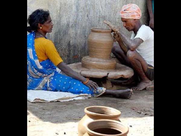 மண் வாசனை 07-1389096684-potters-pin-hopes-on-pongal4-600