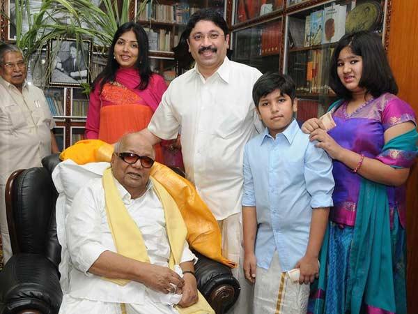 கருணாநிதி, ராமதாஸ், கொண்டாடிய பொங்கல் திருவிழா 15-1389779572-dayanithi-family-pngal-fest-600