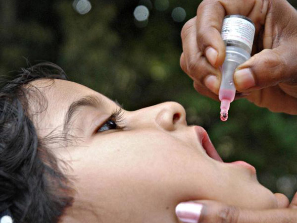 உங்க குழந்தைக்கு போலியோ சொட்டு மருந்து கொடுத்துட்டீங்களா? 19-polio-vaccine-600