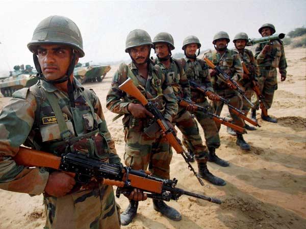 இந்திய ராணுவ வீரர்கள் ஃபேஸ்புக், வீசாட் பயன்படுத்த தடை! 24-army56-600