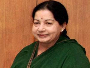 Jayalalithaa to provide gold plating for Thevar statue in Pasumpon