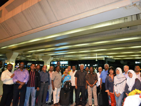 Singapore govt. officials team tours in Dubai