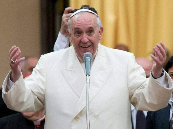 Pope Francis mistakenly says Italian F-word while praying for Ukraine