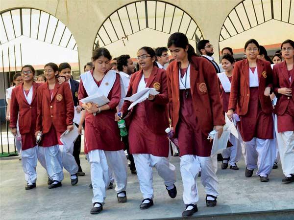 406 பள்ளிகள்... 91.09 % தேர்ச்சி... இது சென்னை பள்ளிகளின் தேர்ச்சி விகிதம் 09-student-exam2-600