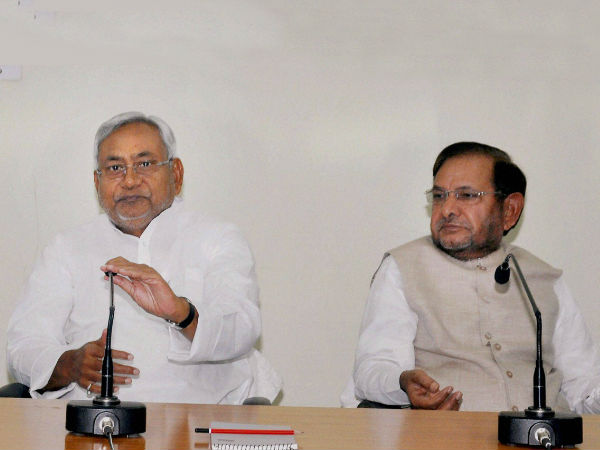 JD(U) MLAs want Nitish Kumar to stay, final call today