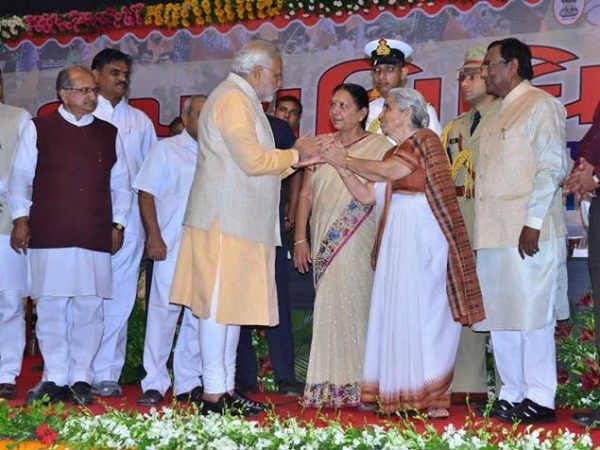 Anandhiben sworn in as Gujarat Chief Minister