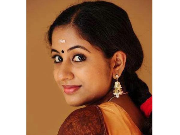 தயாரிப்பு நிர்வாகி மீது ஹீரோயின் பாலியல் புகார் 09-actress-jothy-12-600