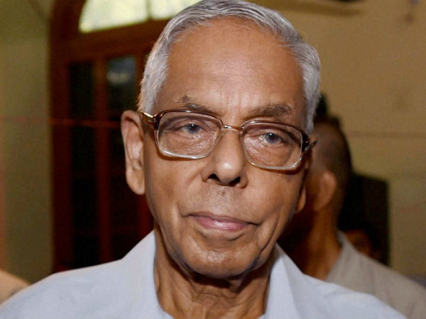 West Bengal Governor M K Narayanan demits office, leaves for Chennai