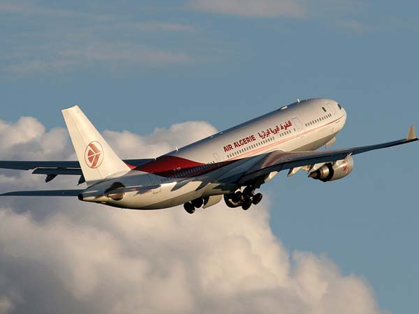 Air Algerie loses contact with plane over Africa