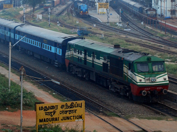 The vaigai express stuck with engine failure