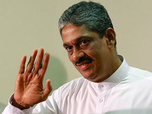 Fonseka warns Rajapakse