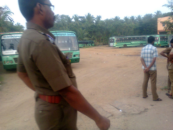 Kerala govt buses stopped at borders