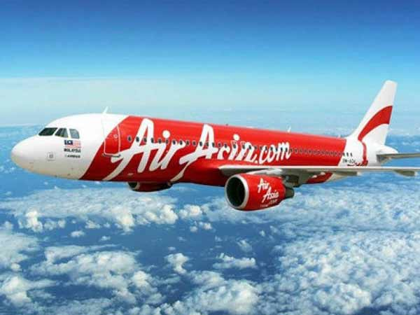 Crashed AirAsia jet's black box pings detected: official