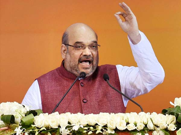Stop finding faults with BJP, find you leader, Shah to Cong