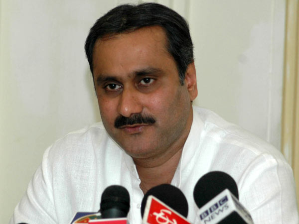 Anbumani's poser to MK Stalin