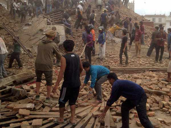 USGS says strong aftershocks possible in Nepal in next 7 days