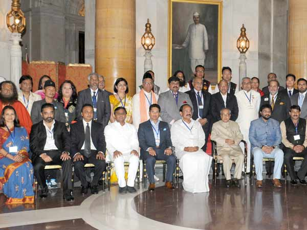 Clean India ambassadors including Kamal meet The President