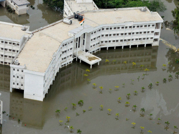 Bangalore gives Rs 3 crore for floods in Chennai