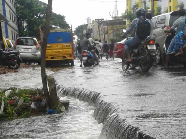 Rain lashes Tuticorin,Tirunelveli districts